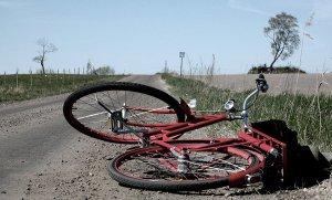 A_fallen_bike_by_wulfila